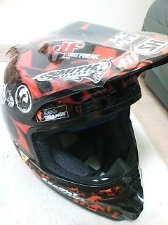 ニューヘルメット2